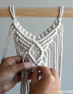 Photo of Centre Wall Hanging Pattern Using Double Half Hitch Knots!